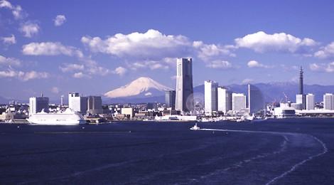 横浜 客船入港